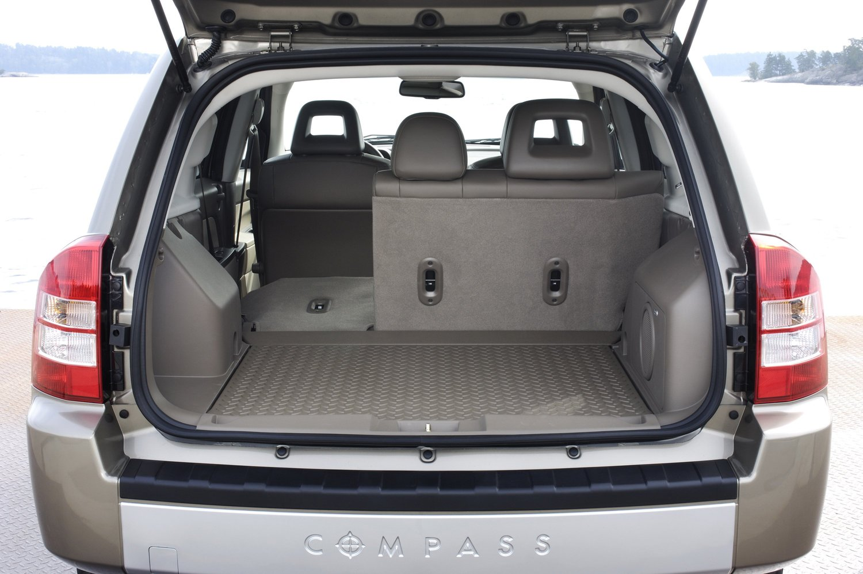 Jeep compass 2014: характеристики, тест-драйв, обзор кроссовера