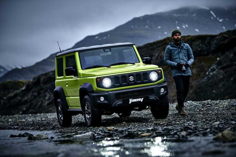 В российском представительстве Suzuki сообщили что новое поколение компактного вездехода Jimny появится у нас на полгода позже обнародованной ранее даты