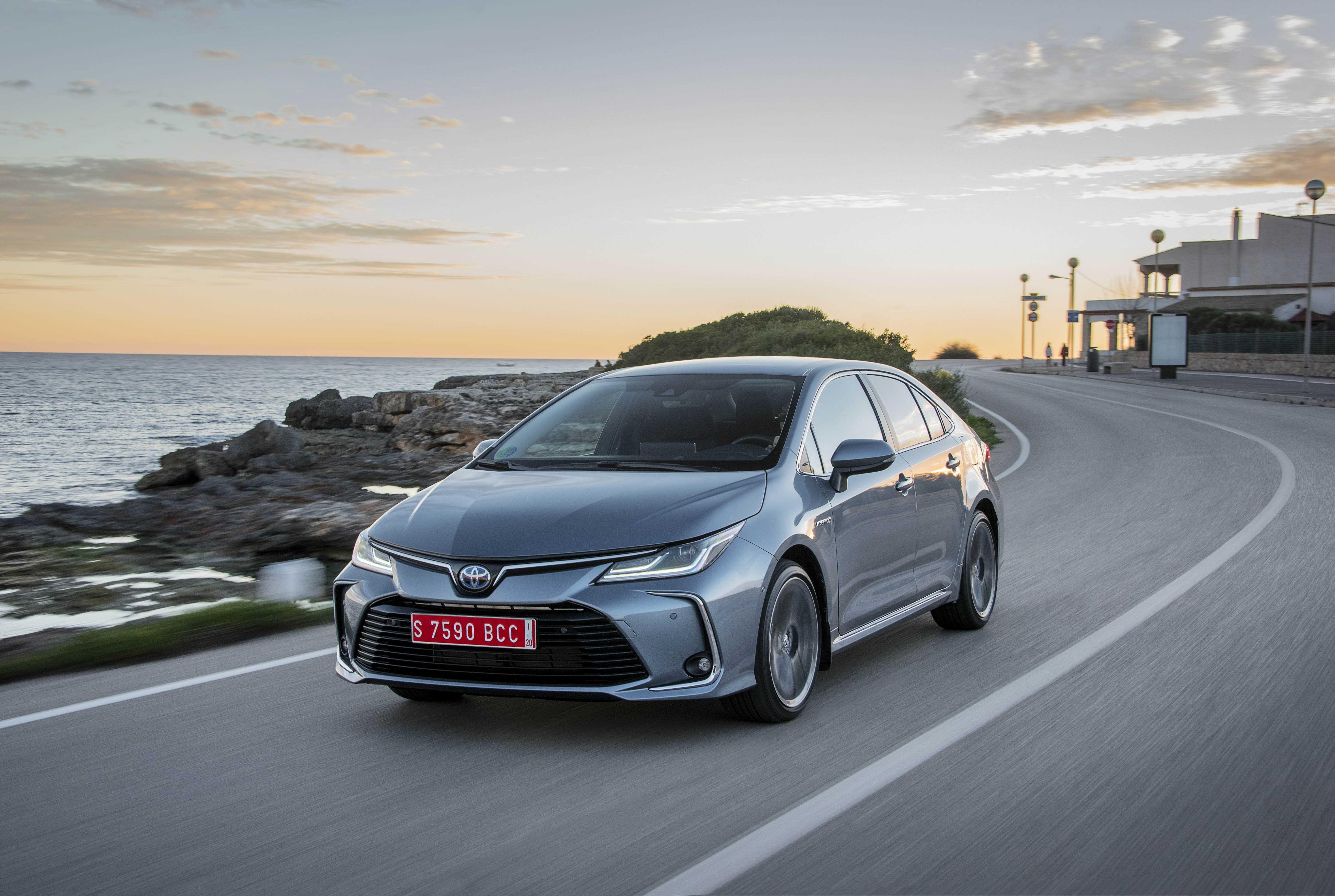 Toyota corolla 2019 скоро в россии! цены и комплектации