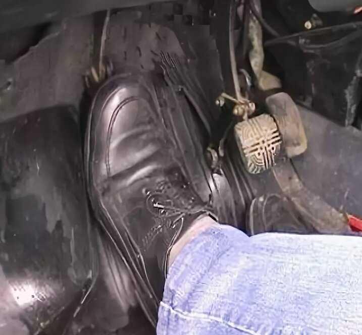 Стук в автомобиле. стук при движении автомобиля. что может стучать в автомобиле. как определить причину стука.. как определить причину посторонних шумов и стуков в автомобиле. что может стучать в автомобиле? определяем причину стука.