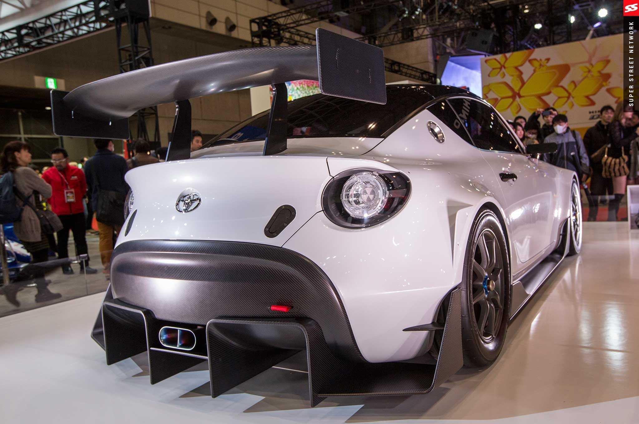 Десять странных концепт-каров в истории автосалона в токио
