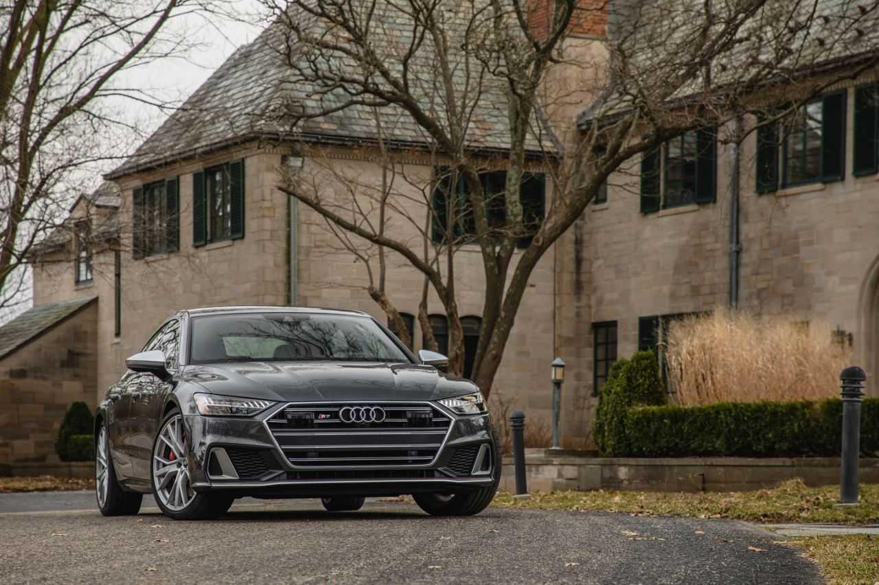 Audi q8 2020 года — немецкое кросс-купе с «мягким» гибридом, спортивными «повадками» и современным оборудованием