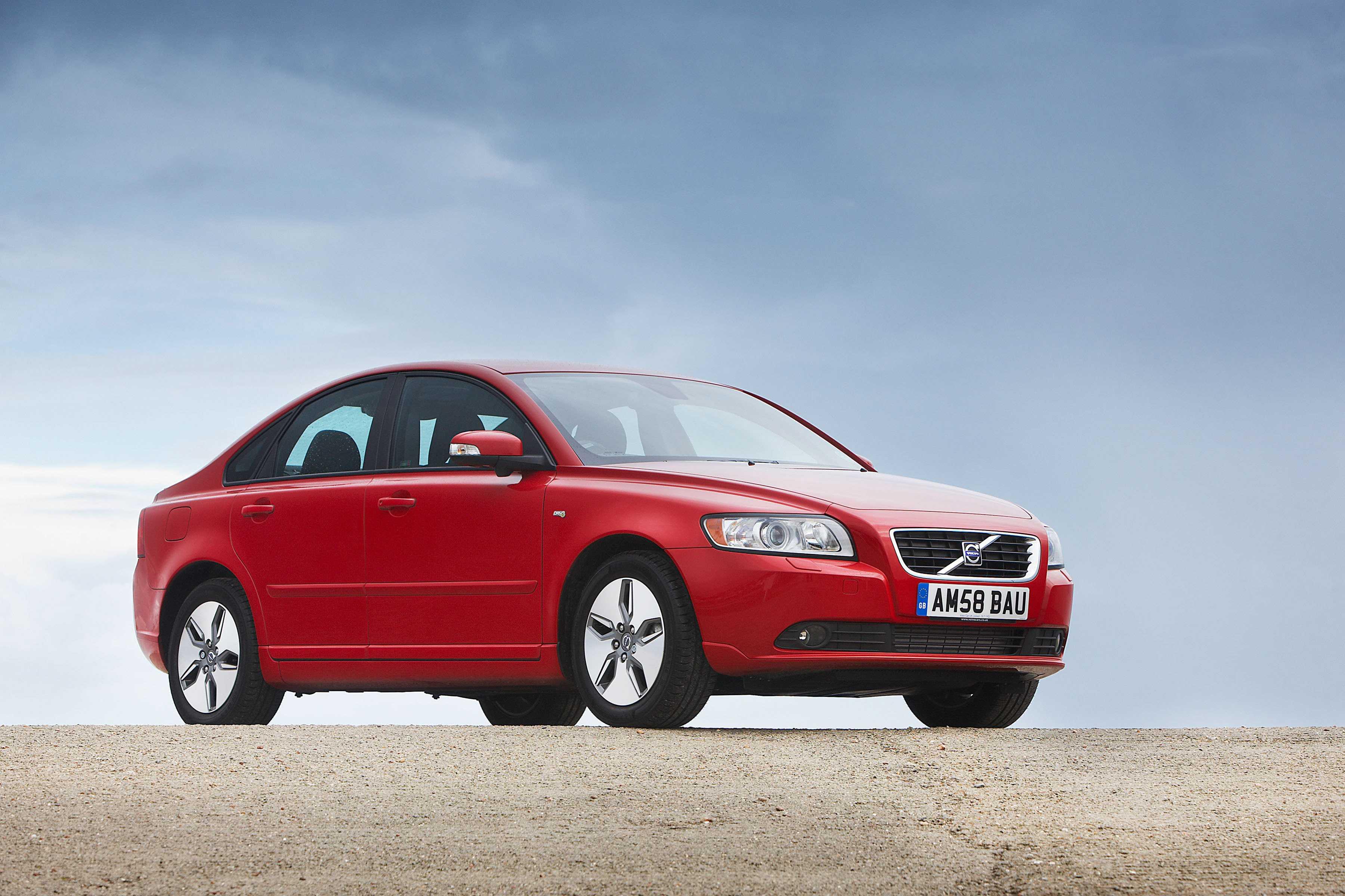 Пособие по ремонту Volvo S40 позволит Вам научиться самостоятельно обслуживать автомобили Volvo S40