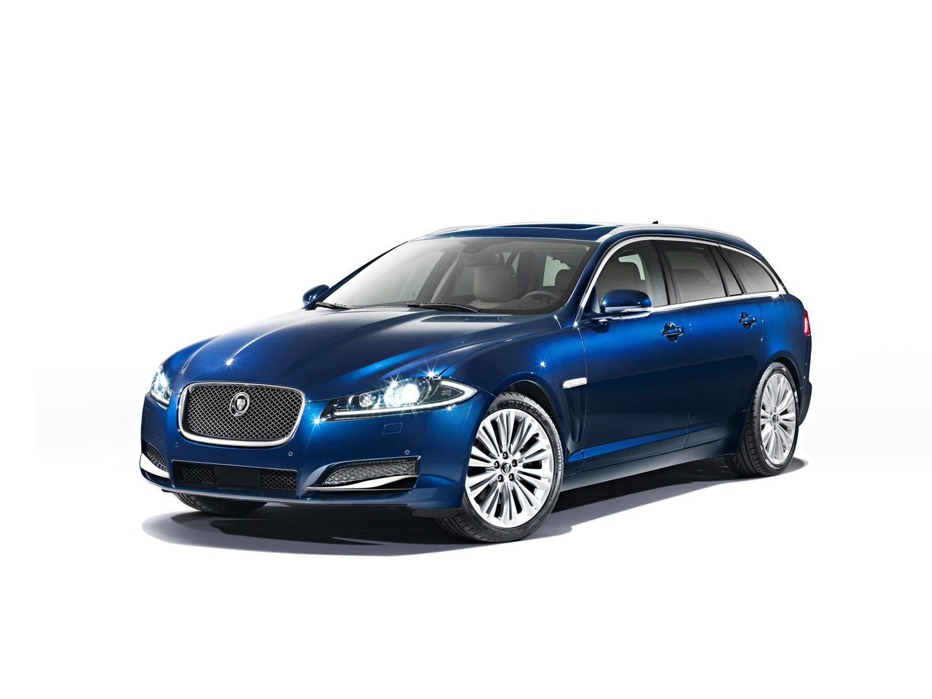 Jaguar xfr-s sportbrake (2015) › характеристики, описание, цена и фото ягуар хфр-с спортбрейк › autozov.ru