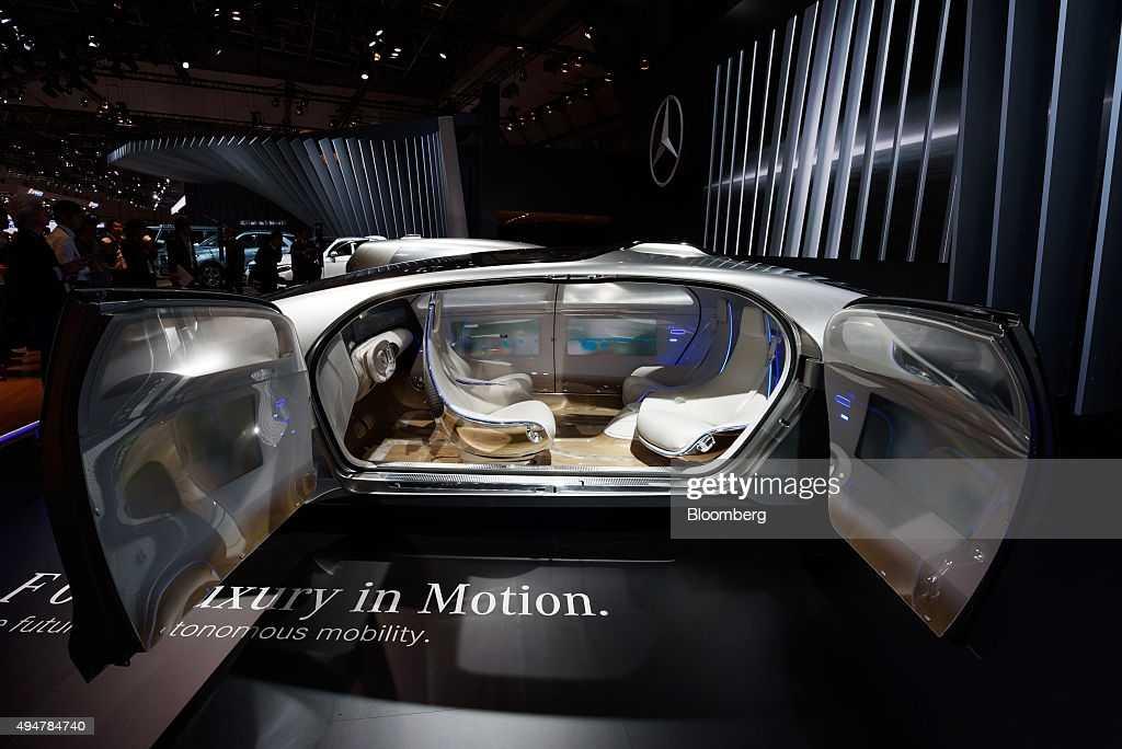 Mitsubishi показала тизер концепта e-evolution, который представит в токио