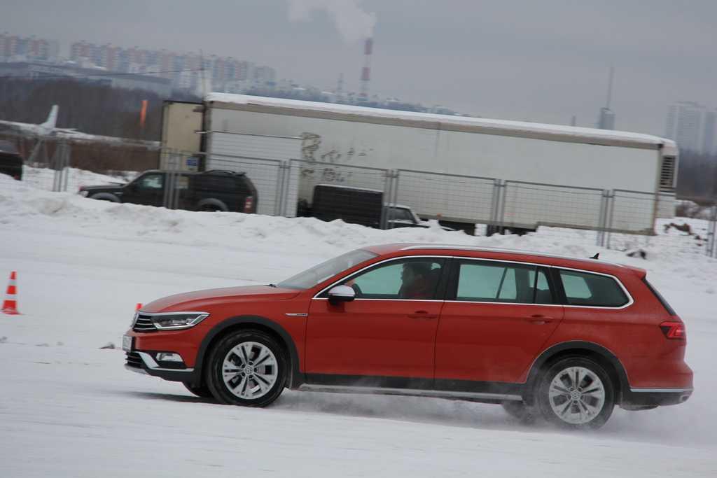 Volkswagen passat alltrack 2017: обновлённый универсал повышенной проходимости