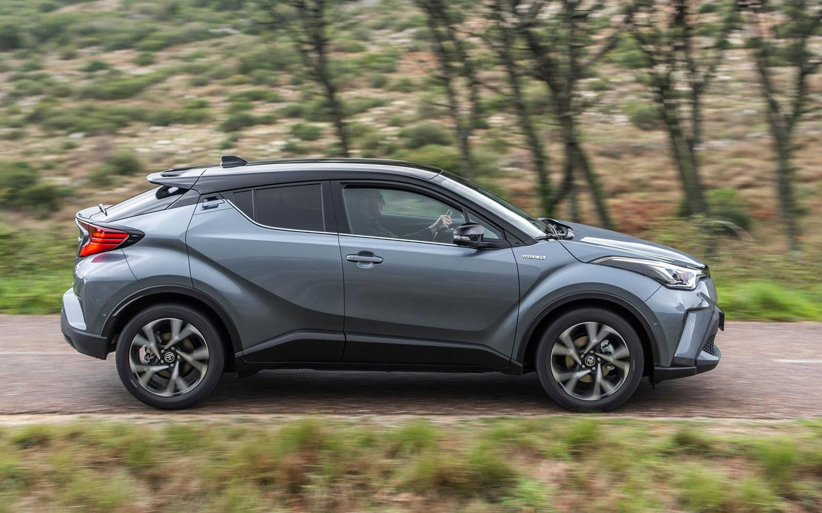 Toyota c-hr гибрид: технические характеристики, обзор