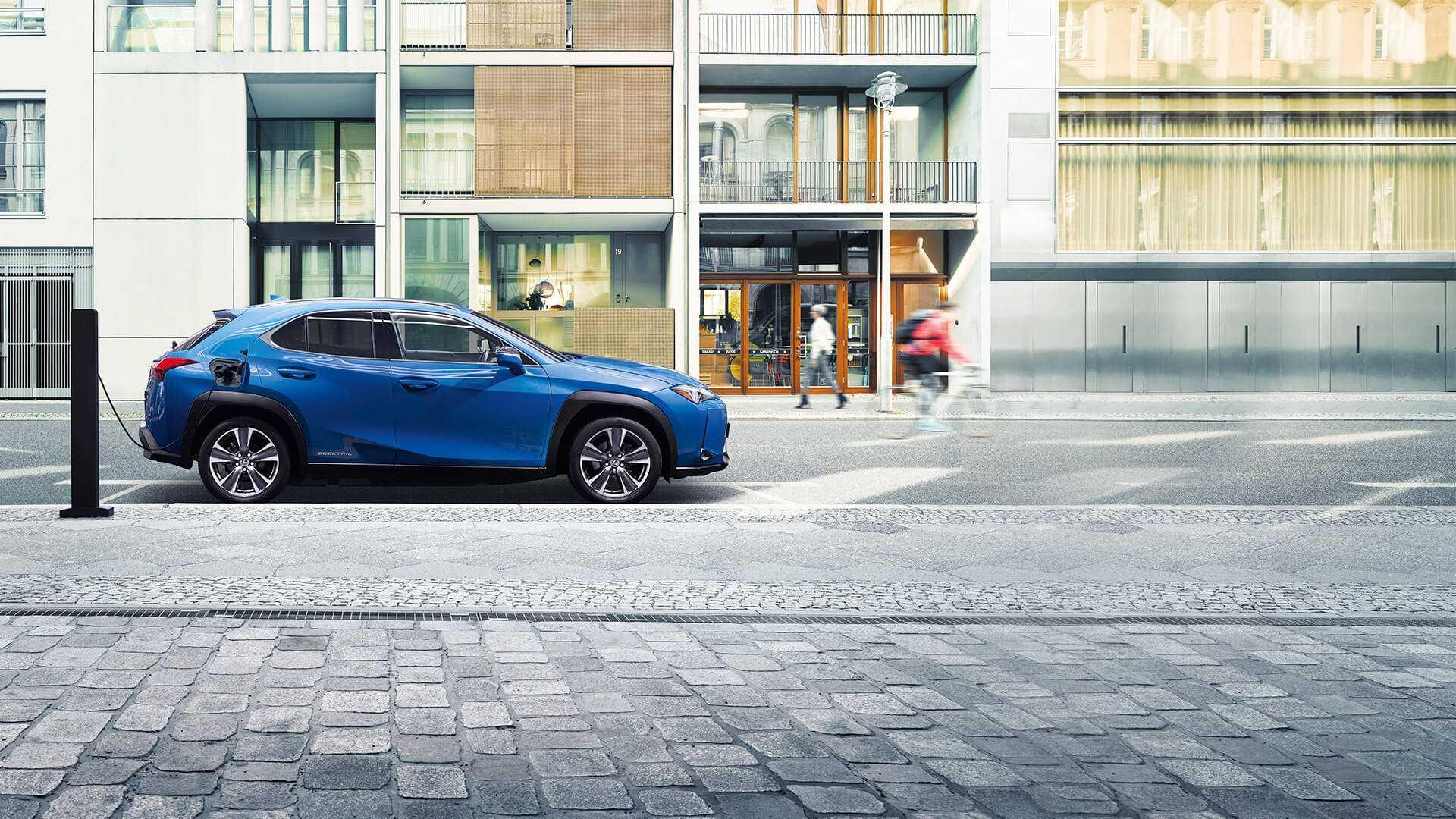 Lexus ux 300e— презентация электромобиля с запасом хода 400 км