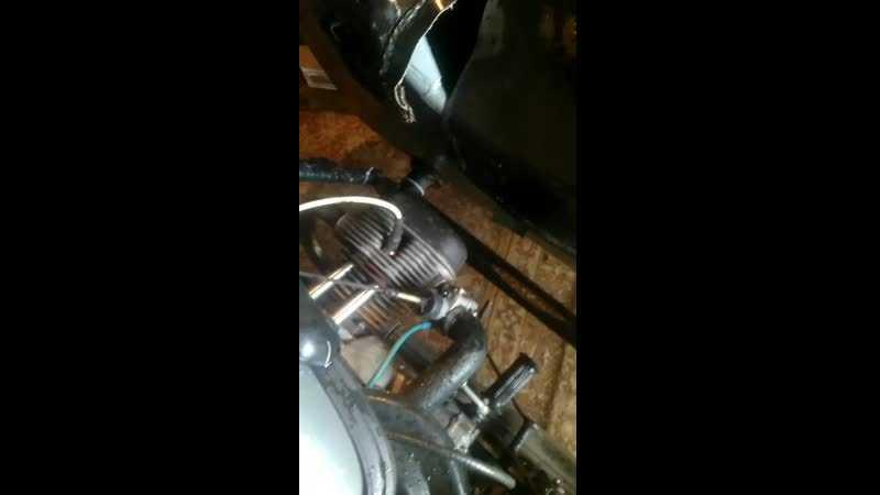 Стук при нажатии на педаль газа, ищем причину