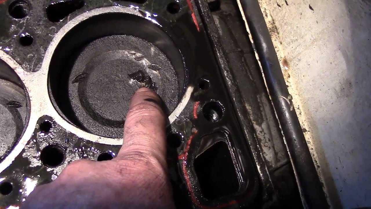 Почему машина дергается при нажатии на педаль газа при разгоне, если нажимаешь резко и в прочих случаях, варианты решения