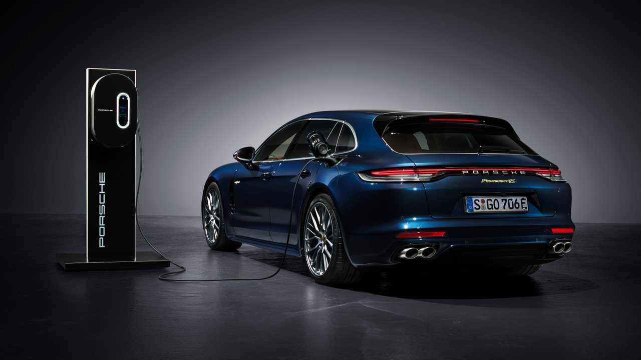 Porsche panamera 2019 новый кузов, цены, комплектации, фото, видео тест-драйв