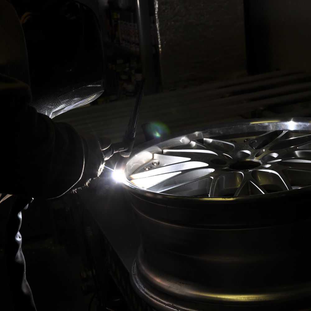 Как выполнить ремонт литых дисков своими руками - советы и рекомендации