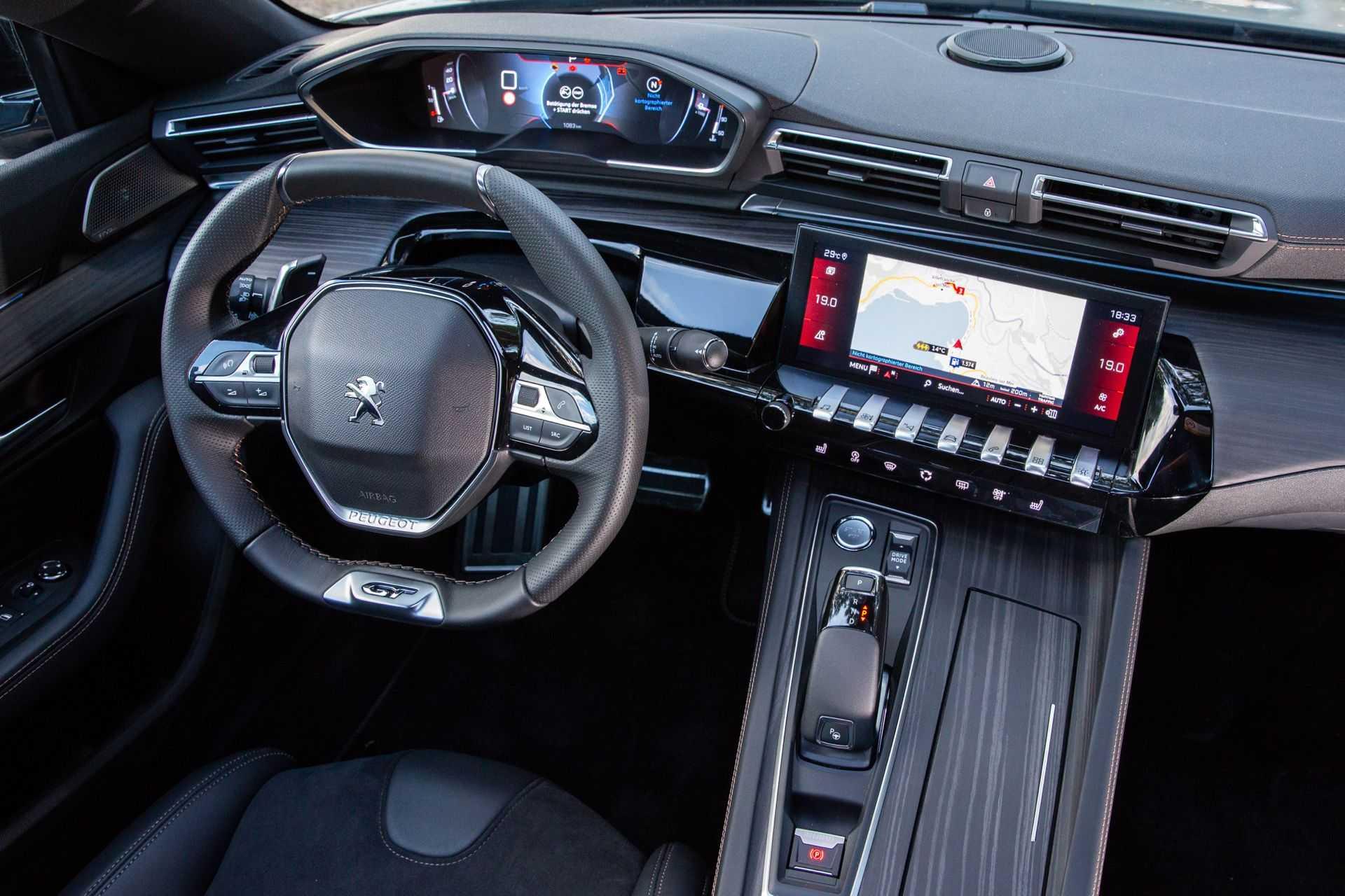 Peugeot 508 2020: стиль и роскошь в одном кузове