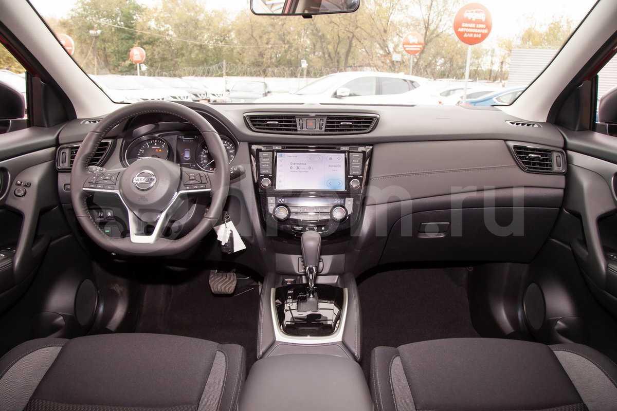 Российское подразделение Nissan обнародовало российский прайс-лист на прошедший рестайлинг вседорожник Qashqai 2019