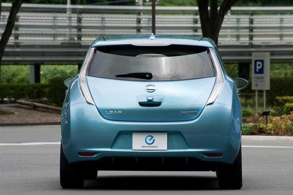 Nissan leaf 2009, хэтчбек 5 дв., 1 поколение, ze0 (08.2009 - 09.2017) - технические характеристики и комплектации