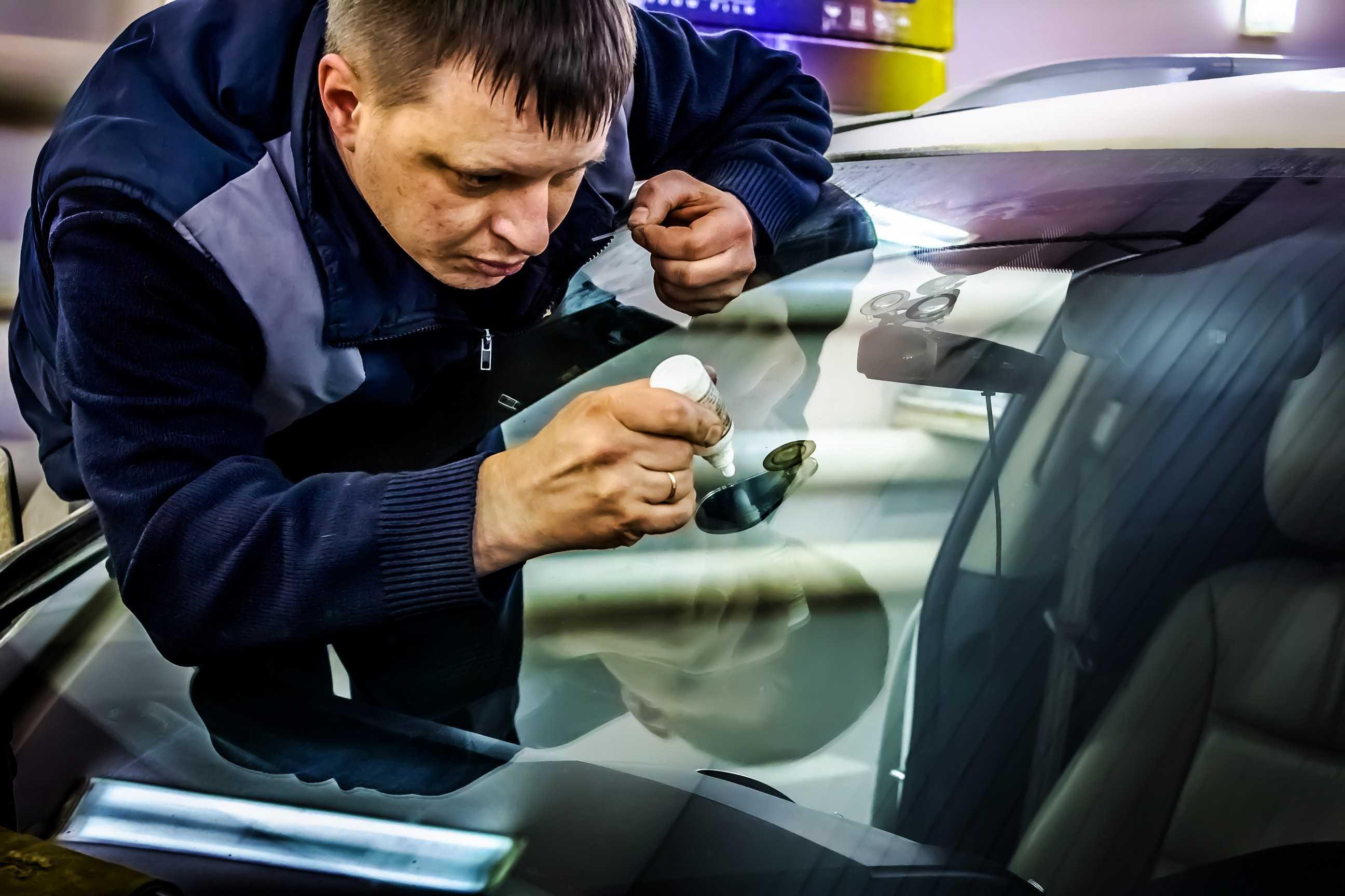 Как происходит ремонт автомобильных стекол?