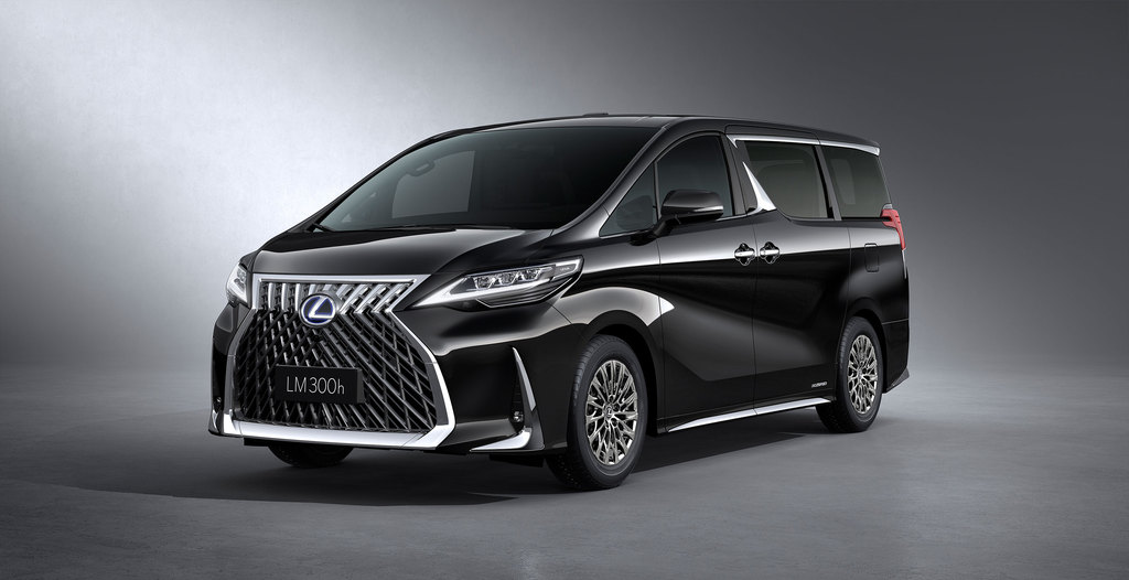 Кроссовер lexus rx стал самым продаваемым премиум-автомобилем в 2019 году | журнал esquire.ru
