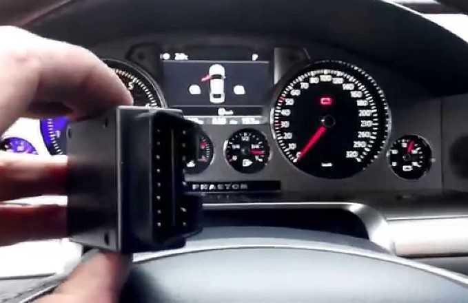 Как скрутить электронный спидометр (видео-инструкция как смотать пробег автомобиля)
