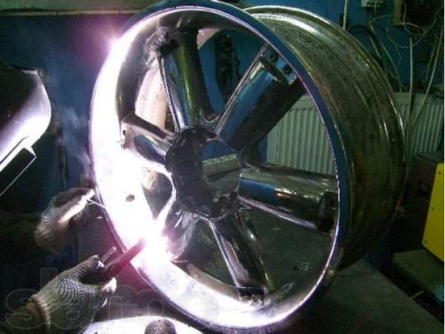 Как восстановить литые диски и отремонтировать штампованные