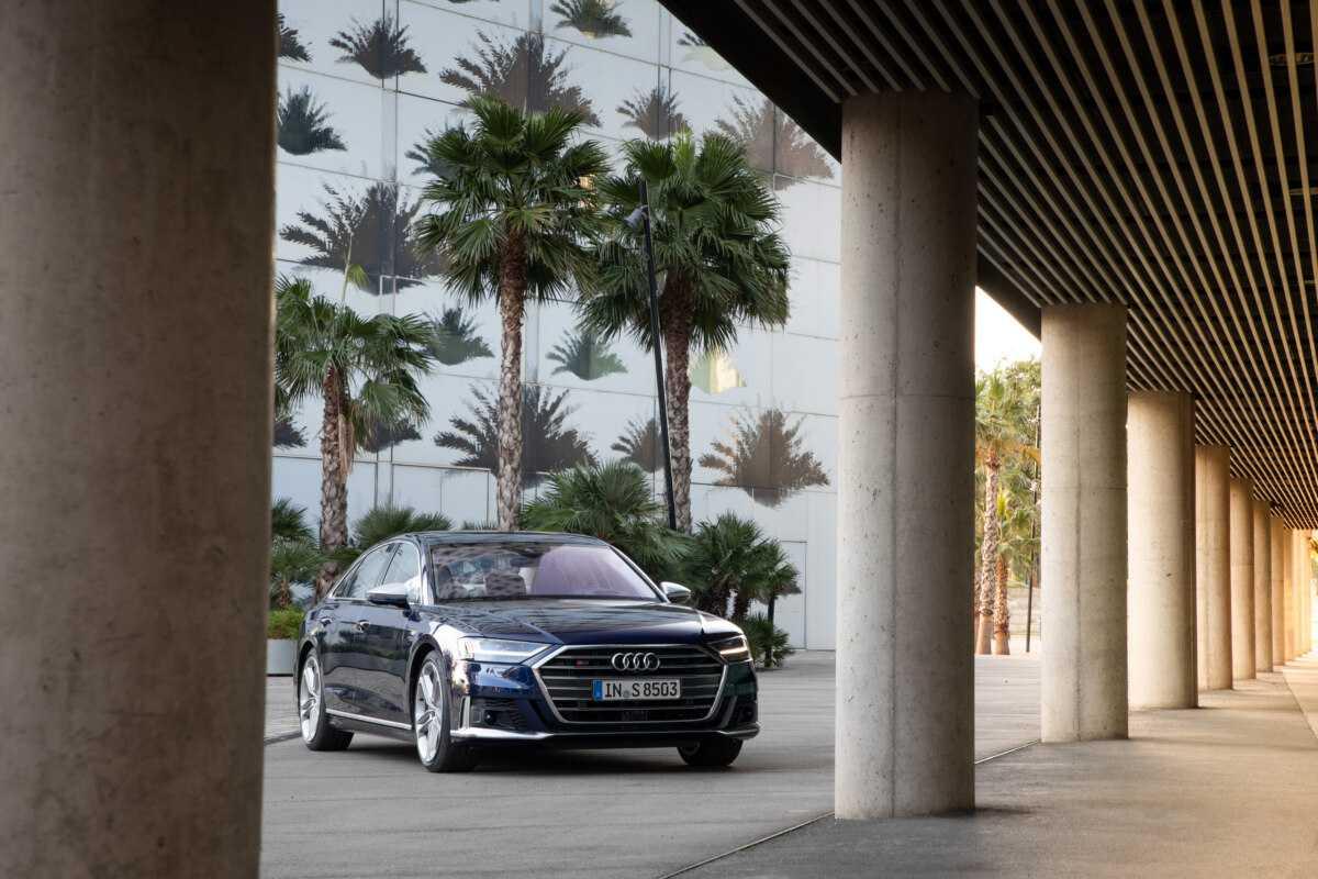 Audi показала флагманскую модель s8 ► последние новости