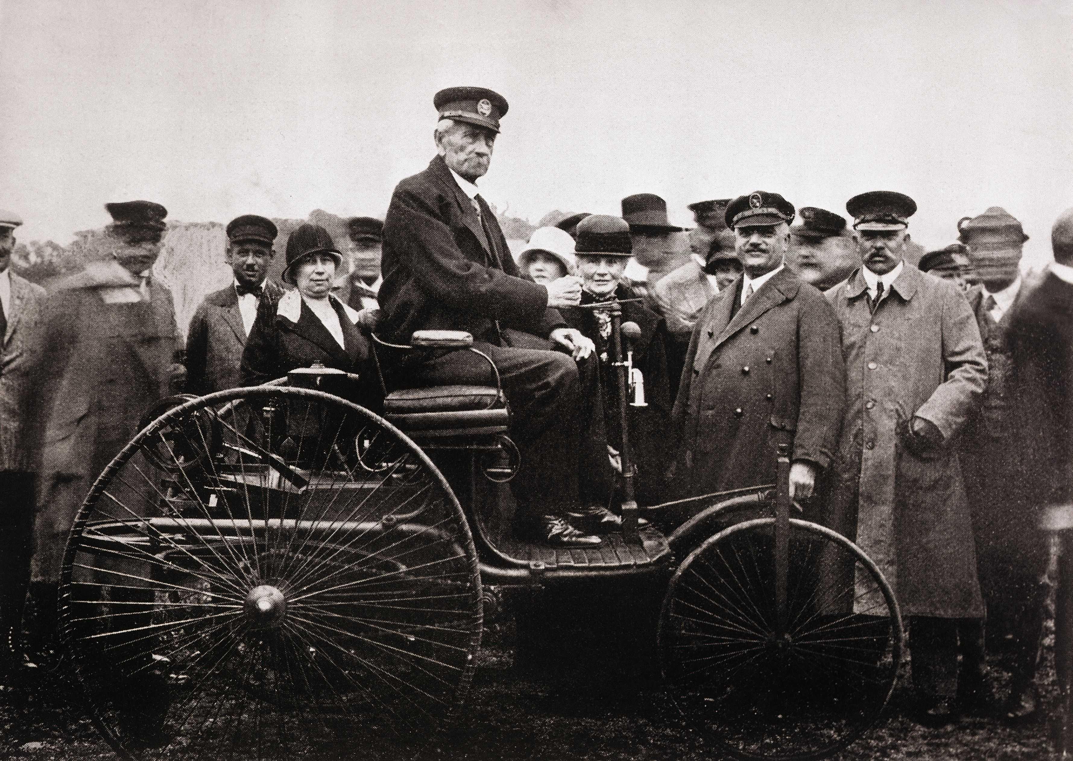 Компания bmw, история бренда и автомобилей, факты о концерне