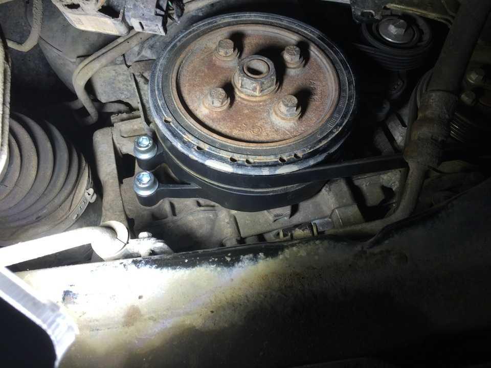 Стук при нажатии на педаль тормоза, где искать источник проблемы