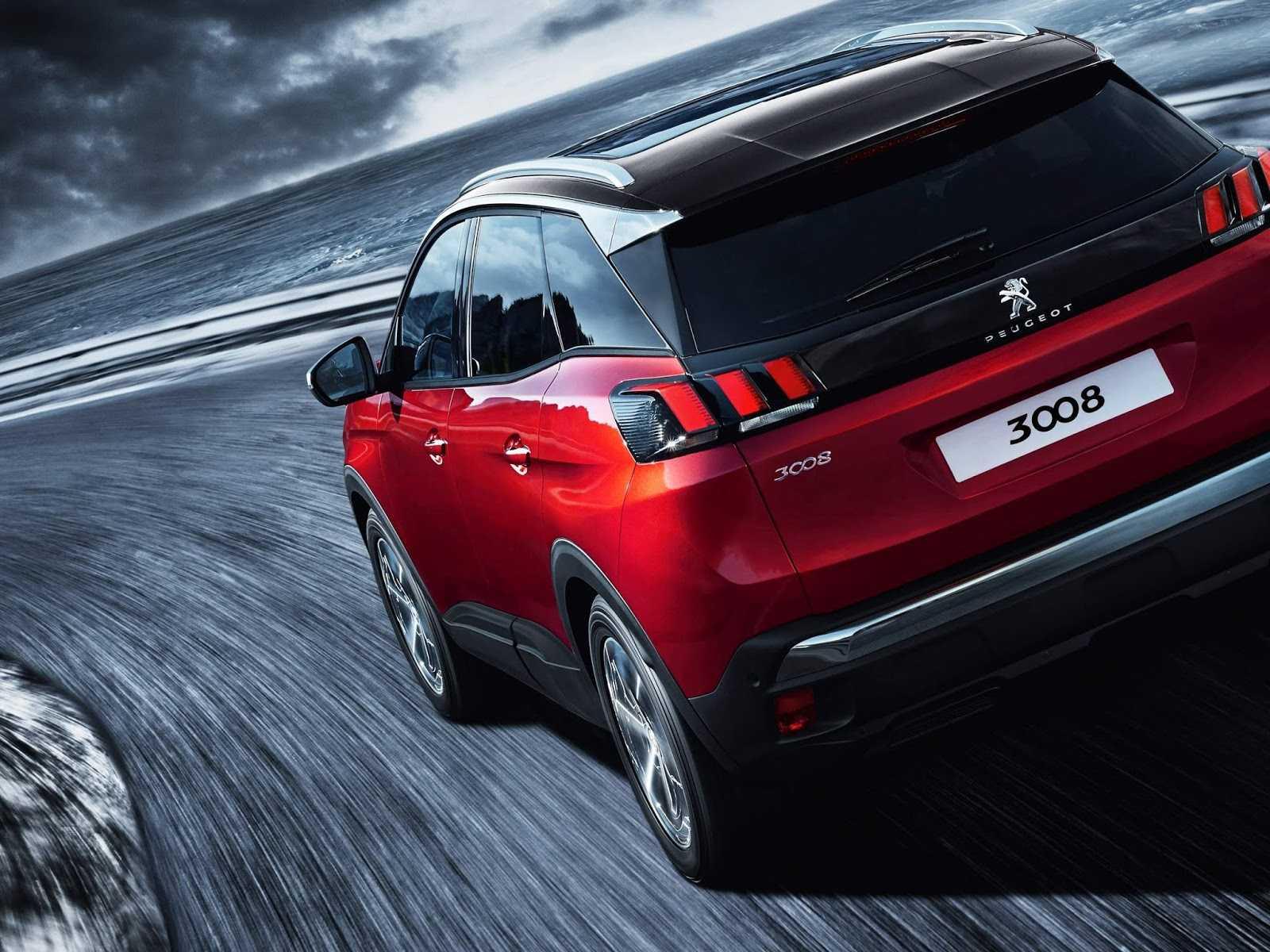 Peugeot 5008 2020 года — практичный 7-местный кроссовер с удобным салоном и набором необходимого оборудования