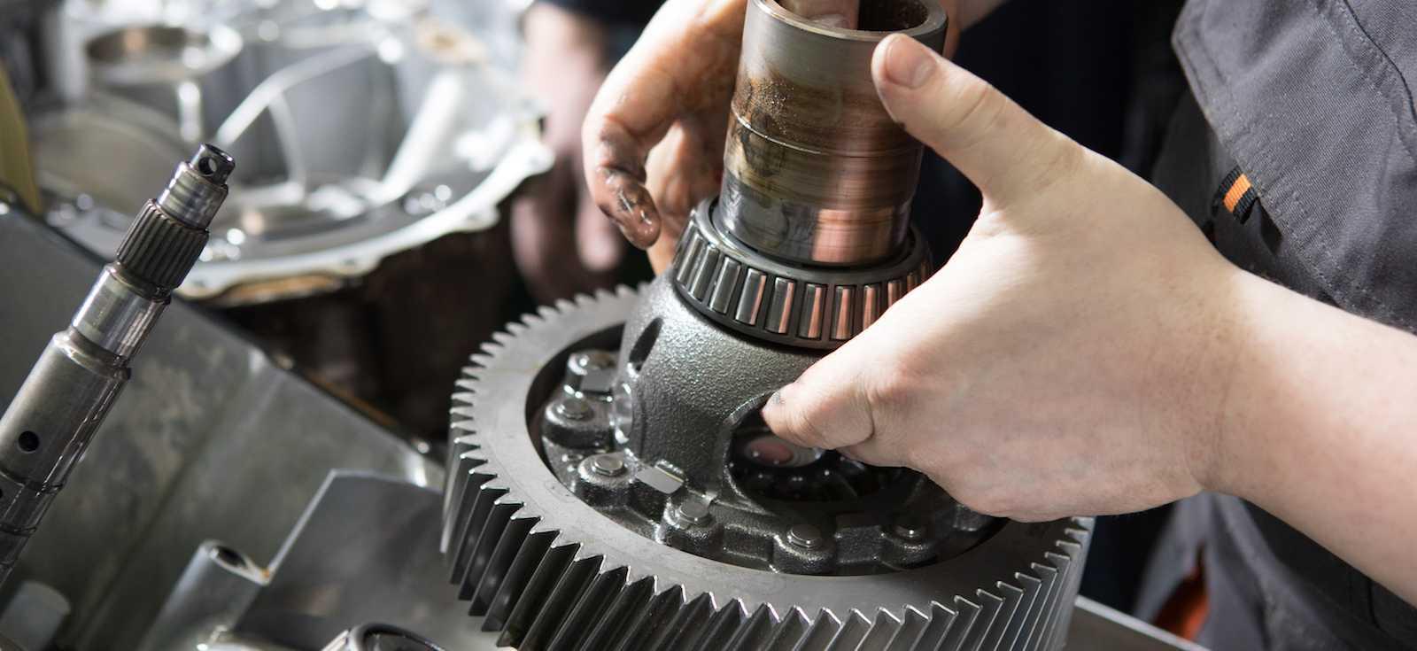 3.3.3. снятие и установка двигателей с автоматической коробкой передач