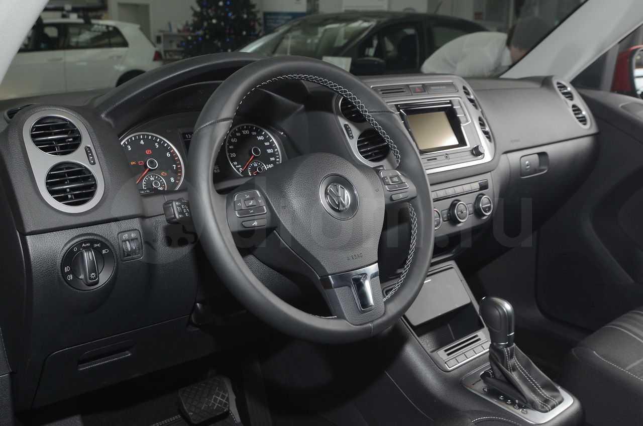 Volkswagen tiguan 2.0 tsi at track&field (11.2015 - 05.2016) - технические характеристики