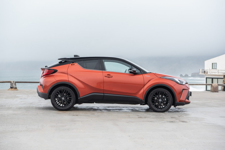 Что приготовил пользователям электромобиль toyota c-hr hybrid: достоинства, характеристики, описание, цена