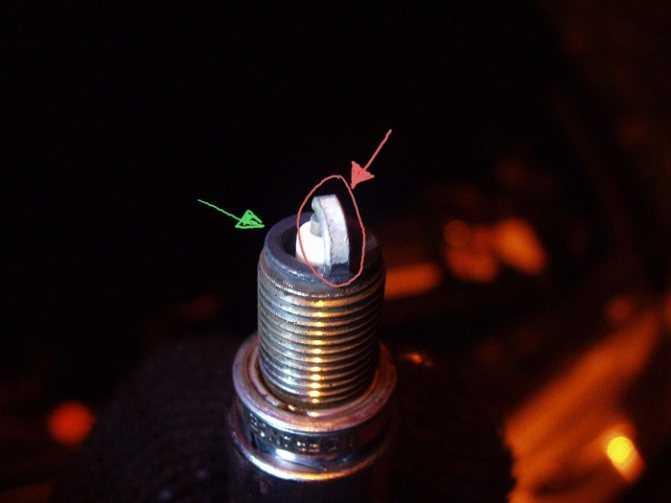 Черный нагар на свечах зажигания, причины | twokarburators.ru