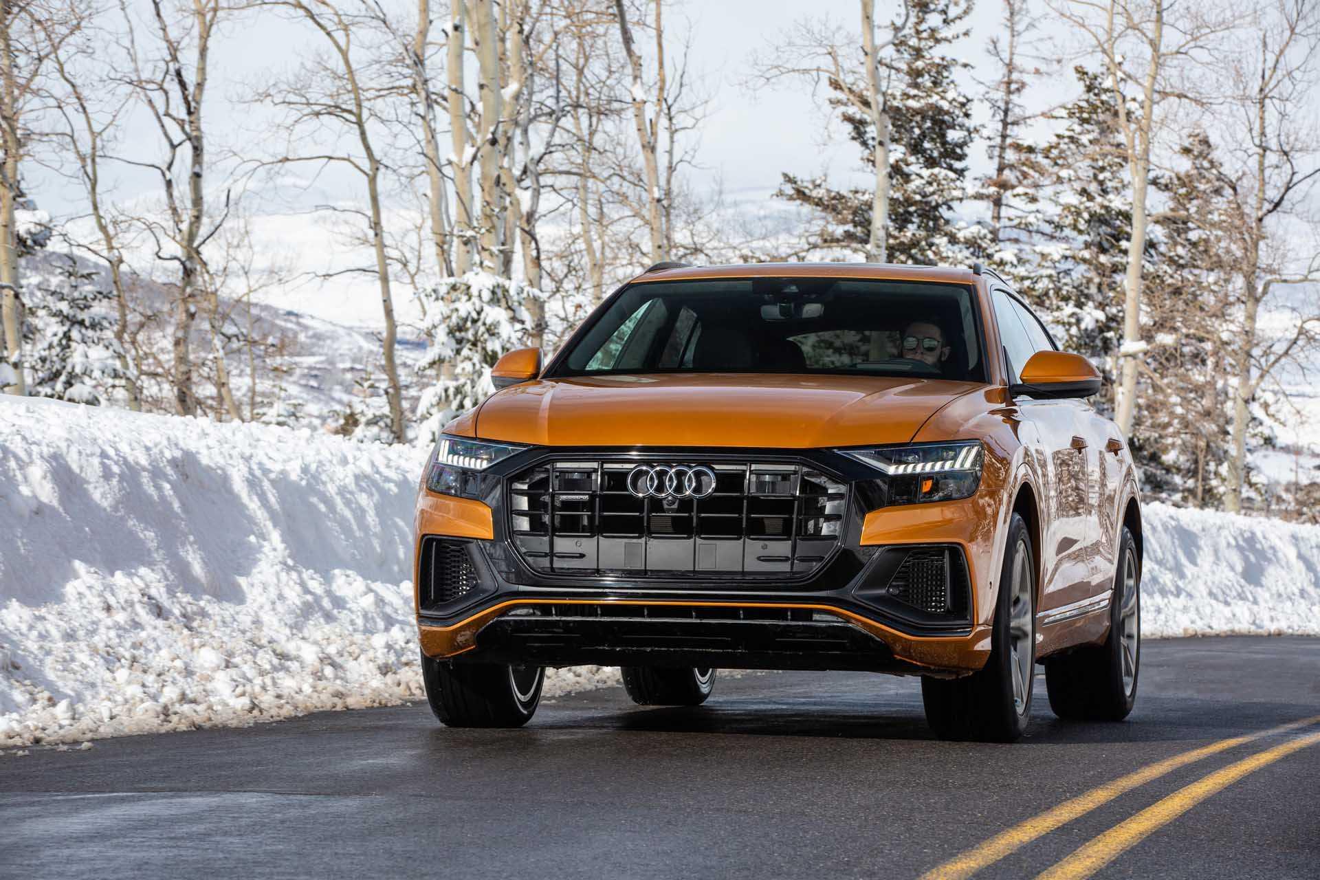 Внешний дизайн Audi RS Q8 интерьер двигатели и трансмиссия технические характеристики тест драйв старт продаж