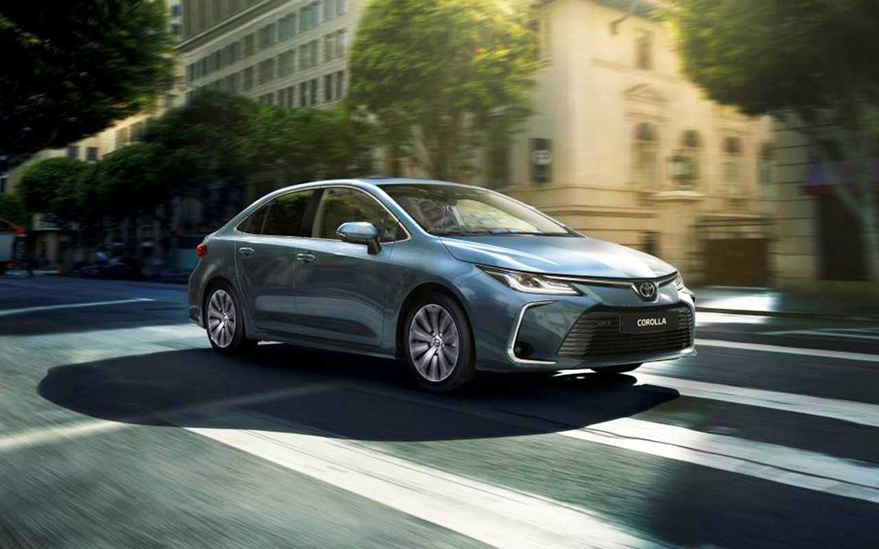 Седан Toyota Corolla 2019 года подорожал и лишился бюджетной модификации с 13 мотором