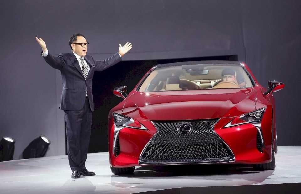 Lexus анонсировал новый электромобиль