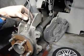 Замена охлаждающей жидкости в бензиновом двигателе 2,0 л ford focus в картинках