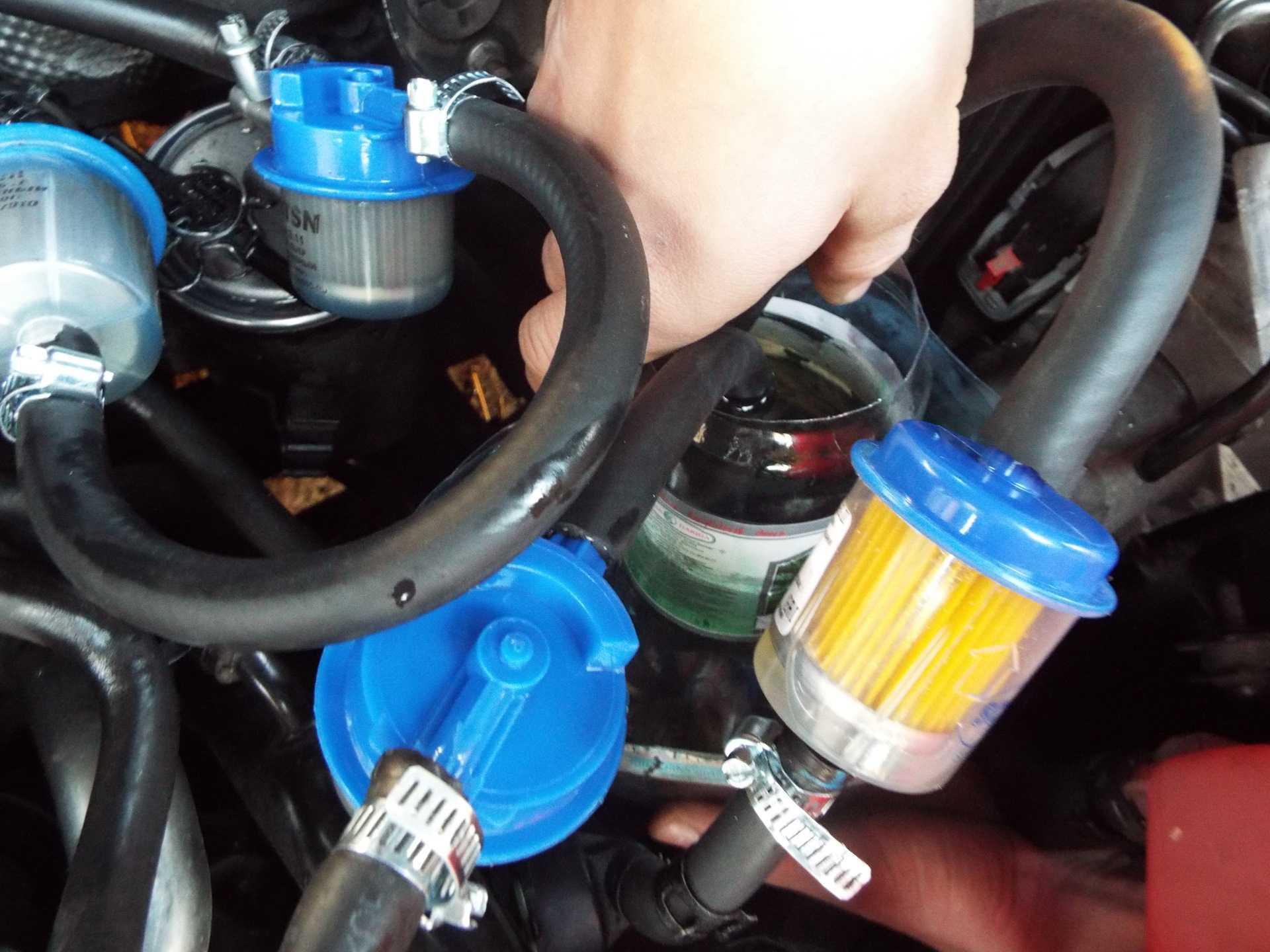Очиститель форсунок для бензиновых двигателей в бак: какой лучше