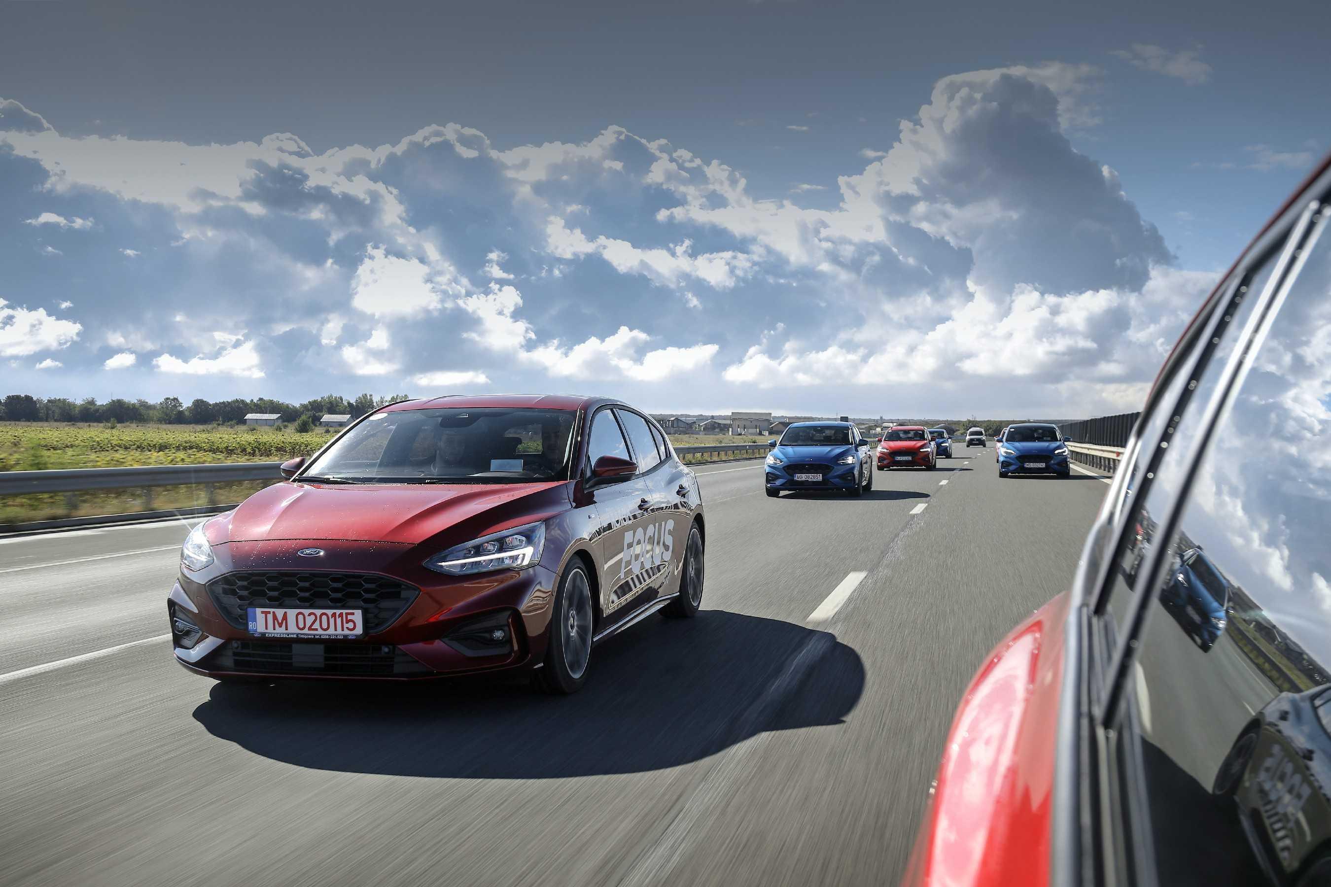 Возможности маленького трех цилиндрового бензинового мотора со спортивной ходовой мы выясним на примере Ford Focus в исполнении ST Line