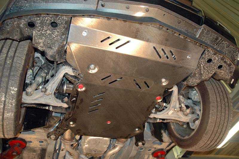 Защита картера двигателя автомобиля в отечественных условиях эксплуатации будет совсем не лишней