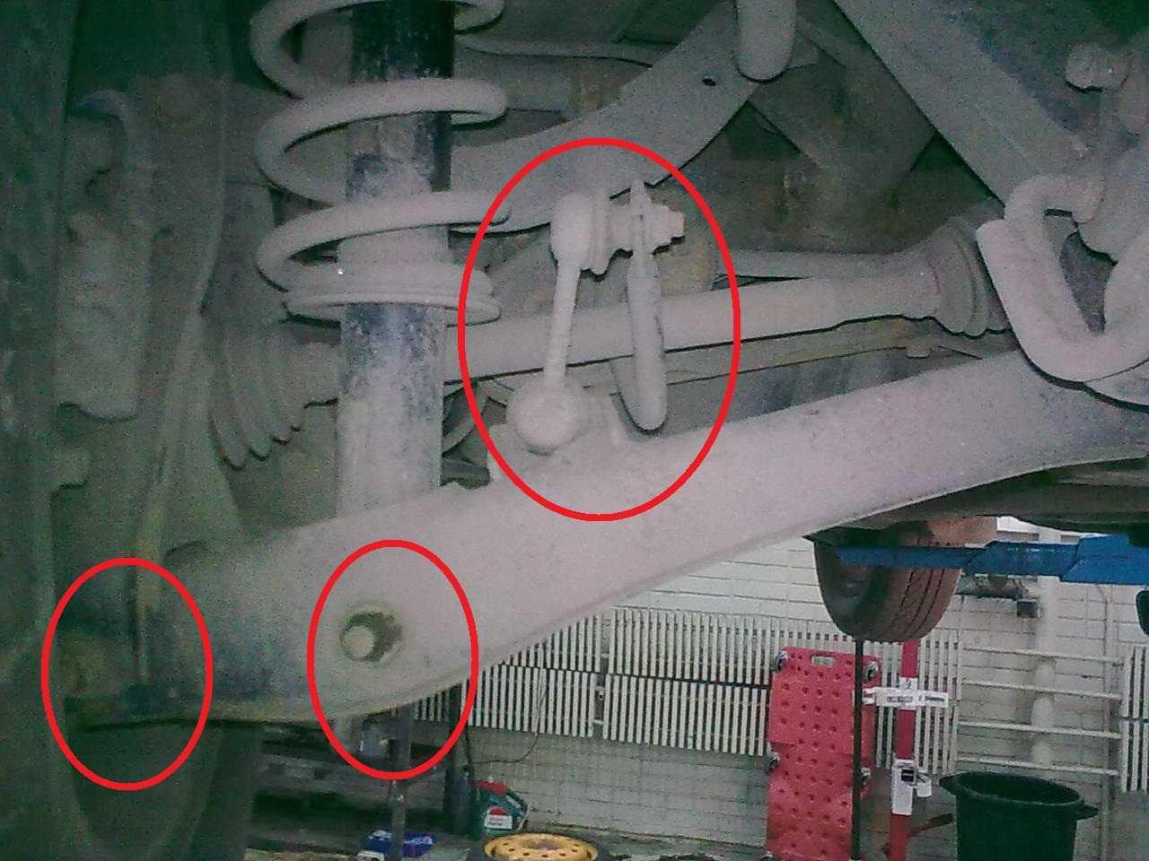 Причины стука в передней подвеске на мелких кочках