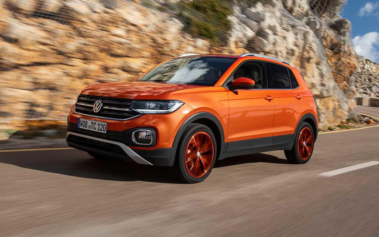 Volkswagen t-cross 2020 года — новый молодежный кроссовер с расширенными комплектациями по цене в 1,34 миллиона