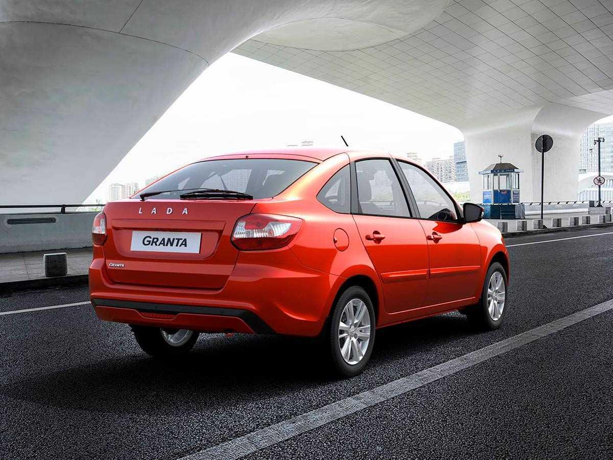 Надежность Лада Гранта салон и багажник узлы и агрегаты отзывы владельцев о моделях Лифтбек и Седан