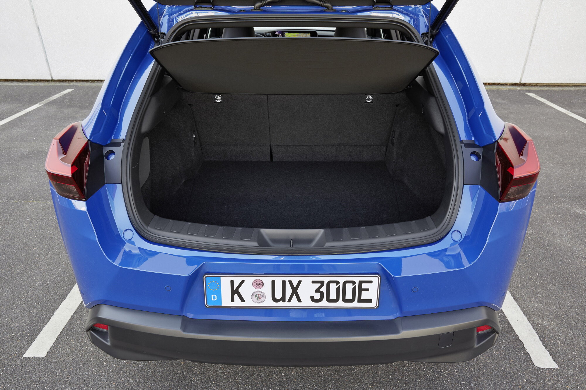 Lexus ux 300e электрический кроссовер: характеристики, цена, дизайн