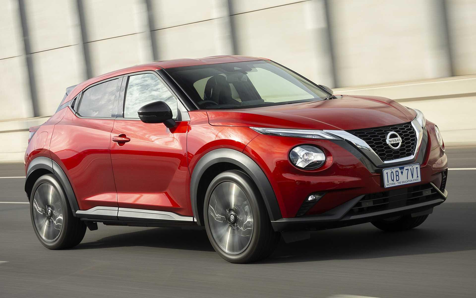 Мини-кроссовер Nissan Juke силовой агрегат трансмиссия технические характеристики комплектации салон и багажник отзывы владельцев