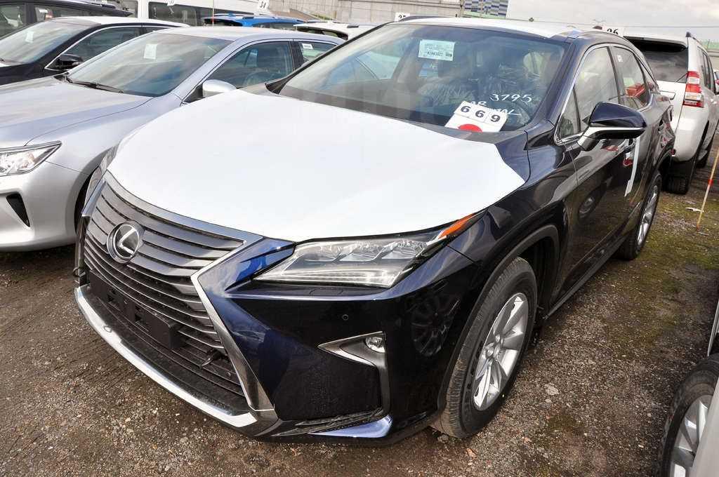 Lexus rx 2016 года не сдаёт позиции