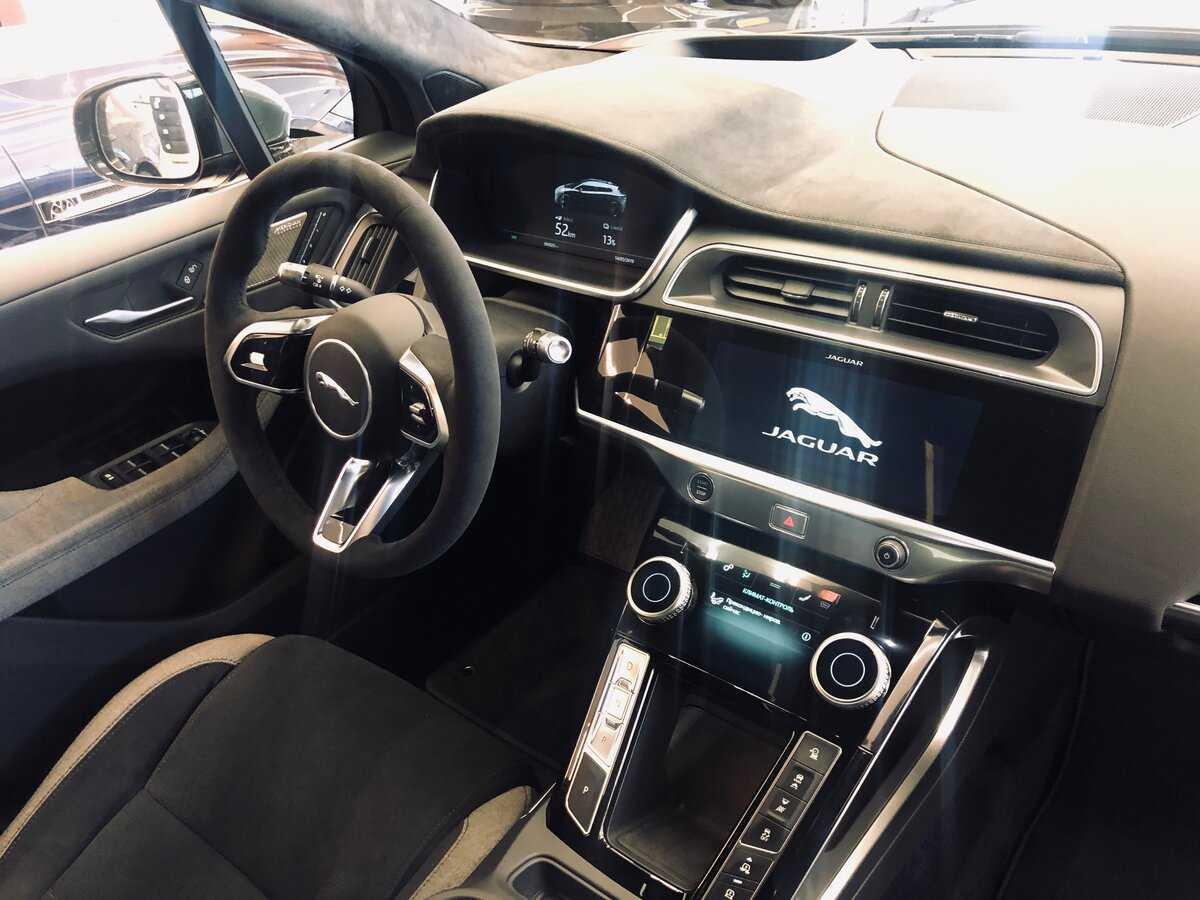 Jaguar i-pace 2019: электромобиль с динамичными ходовыми характеристиками