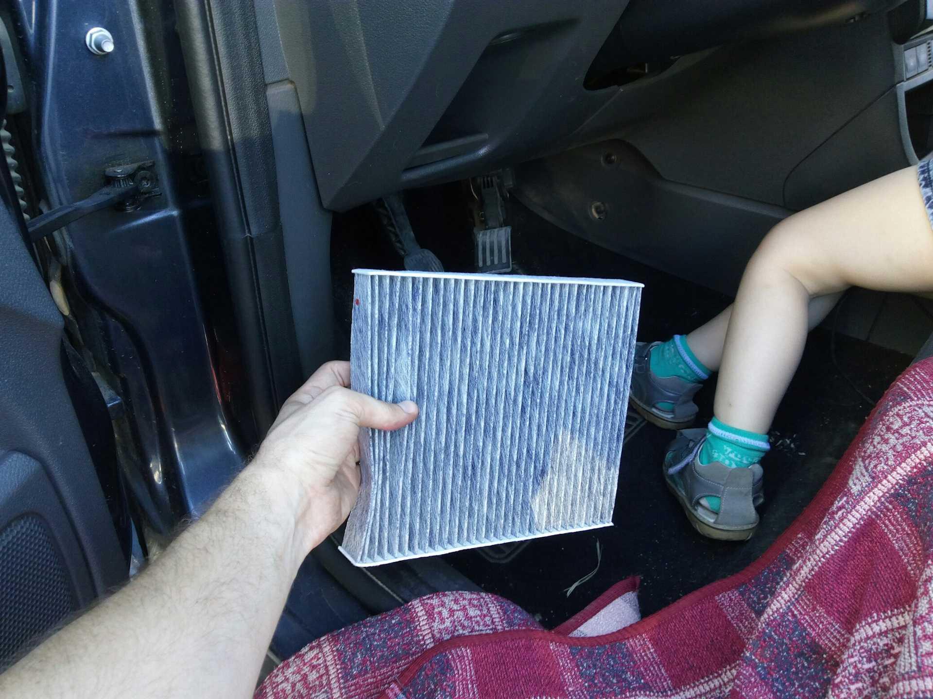 Воздушный фильтр форд фокус 2: где находится, замена