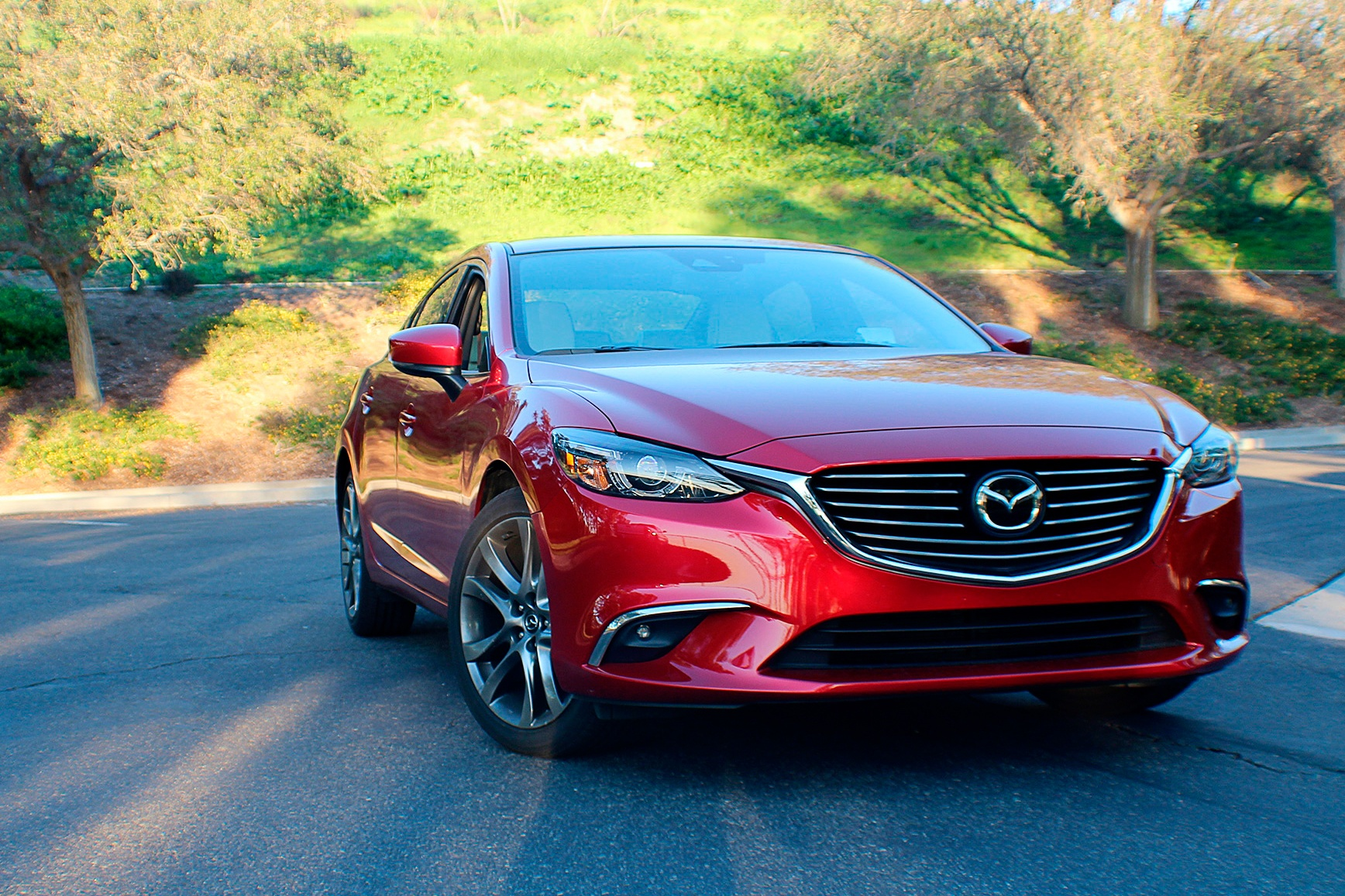 Новая Mazda 6 2019 остается одной из самых крутых авто в современном автопроме и не потому что интерьер стал богаче а потому что машина имеет одно из лучших шасси
