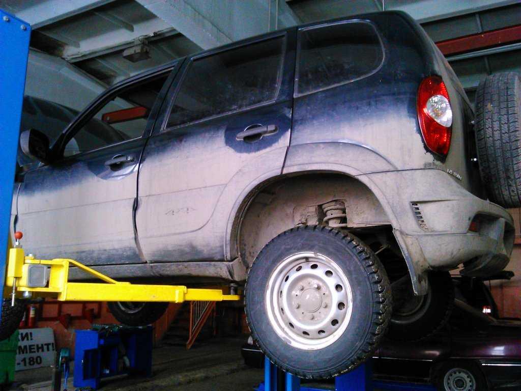 Chevrolet niva 2015, 1.7 л., отзыв постараюсь написать максимально не предвзятым, новосибирская область, полный привод, мощность 80 л.с., мкпп