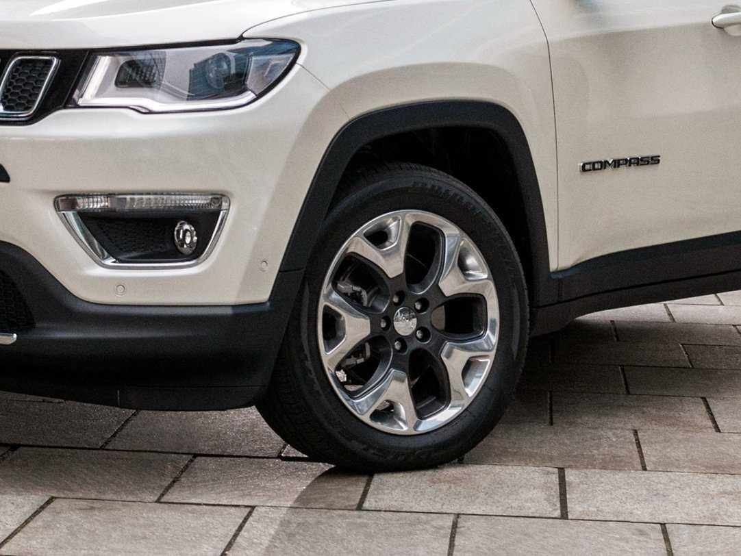 Второе поколение jeep compass (2019-2020) теперь не младшее в линейке