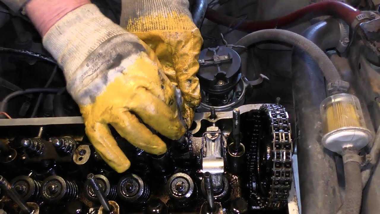 Как определить что стучит в двигателе автомобиля, причины стука на холодную или холостых, при повышении оборотов, как звучат клапана, откуда свист и прочие звуки